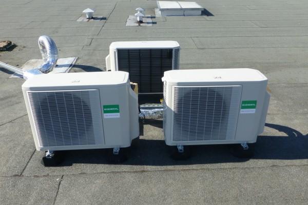Installation de 3 Climatiseurs Réversibles INVERTER DC en toit terrasse